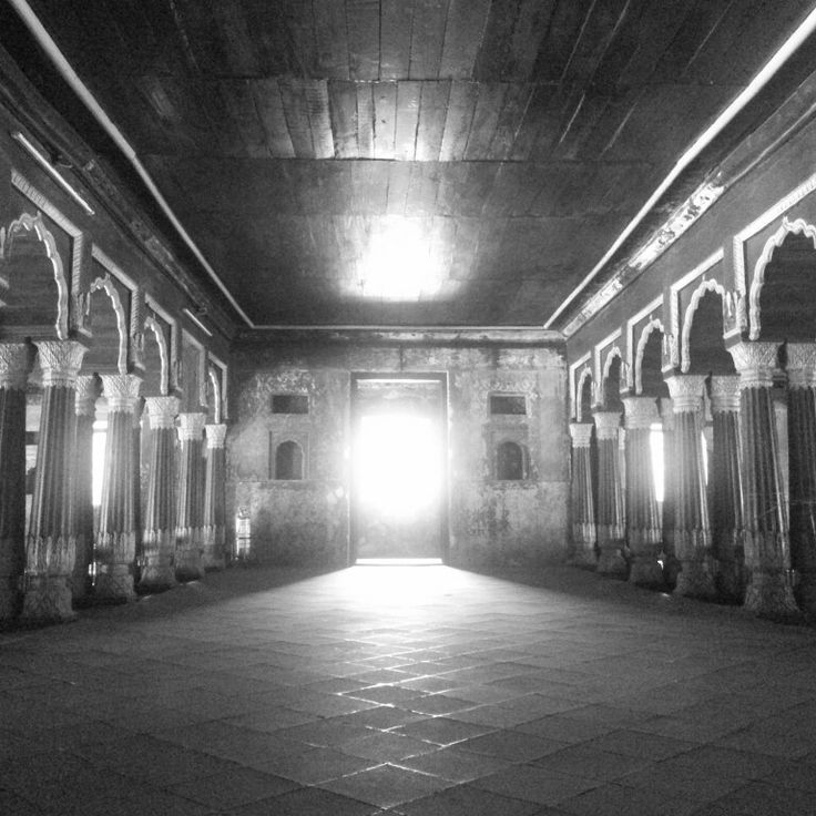 The hallway at the tipu fort bangalore