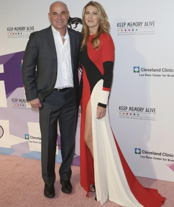 """Steffi Graf und ihr Andre Agassi bei einem ihrer seltenen Auftritte. Die beiden kamen zur """"Power of Love""""-Gala in Las Vegas"""