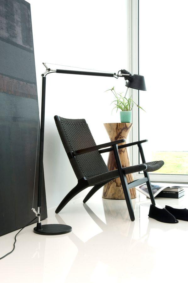 Black Wegner CH25 Easy Chair