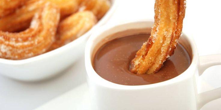 SPANSK KAKAO: En tykk, varm sjokolade med churros til å dyppe med.