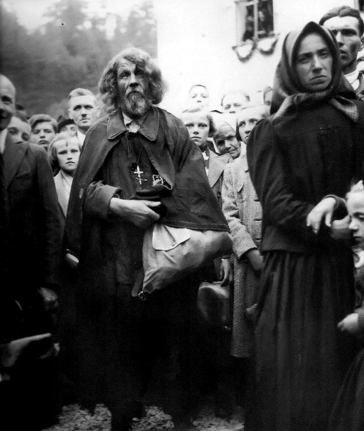 Slovak pilgrims on a pilgrimage to Staré Hory.