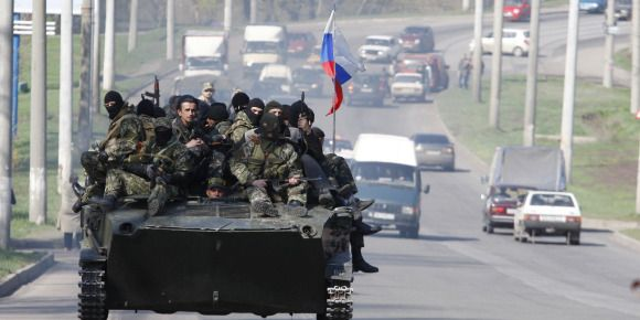 EN DIRECT - Ukraine: des blindés à drapeau russe à Kramatorsk. Des chars Russes flambant neuf en Ukranie !