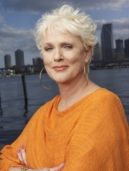 Sharon Gless. Burn notice. Love her.: Hairstyles, Sharon Gless, Actresses Sharon, Famous People, Burning Notice, Gay South, Age Grace, South Florida, Favorite People