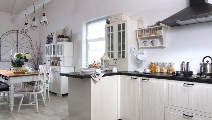 Czarno-biała kuchnia: modne i ponadczasowe aranżacje