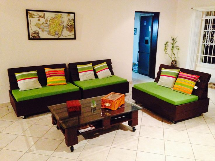 Gorgeous, colorful pallets sofa and table #CoffeeTable, #Pallets, #Sofa