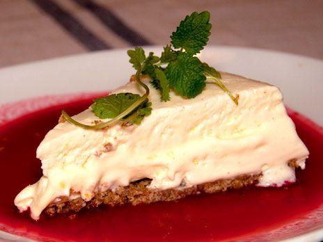 Fryst cheesecake med hallonsås