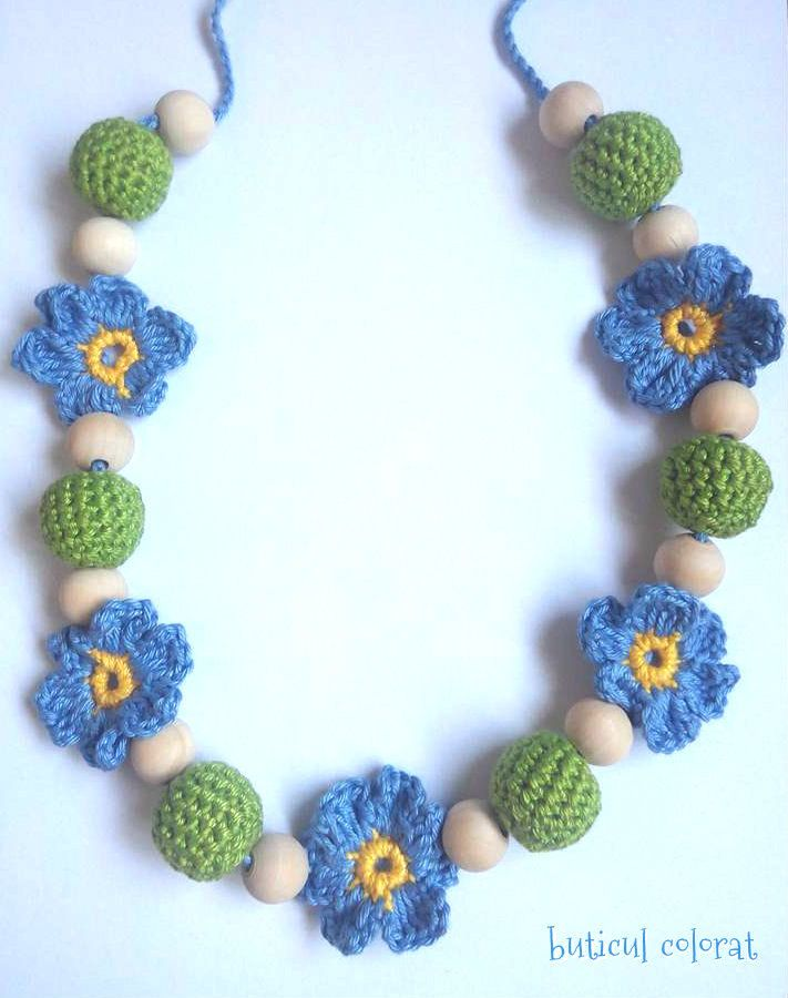 Crochet Teething Nursing necklace, Babywearing , breastfeeding, Sling ring jewelry, baby toy, forget me not flower, crochet blue flowers by ButiculColorat on Etsy