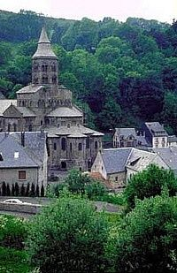 Orcival's church, Auvergne : Click to enlarge picture