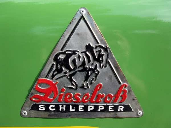 Das Dieselross war die Bezeichnung für eine Traktorenreihe von Fendt, welche im Jahr 1930 mit einem 6-PS Schlepper mit Eisenrädern begann.