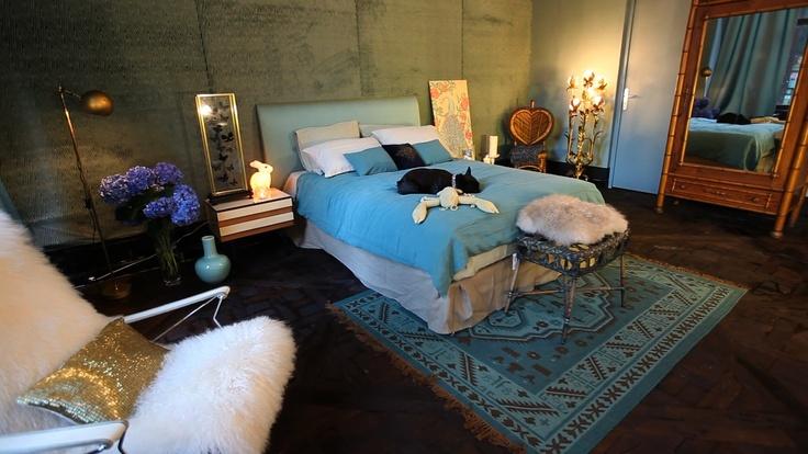 relooking la chambre bleue une performance sign e par la d coratrice laura. Black Bedroom Furniture Sets. Home Design Ideas