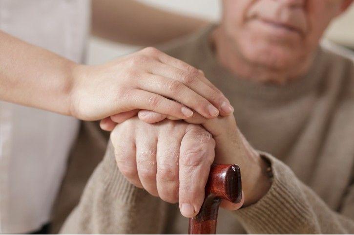 Drżenie i sztywność - główne problemy w chorobie Parkinsona