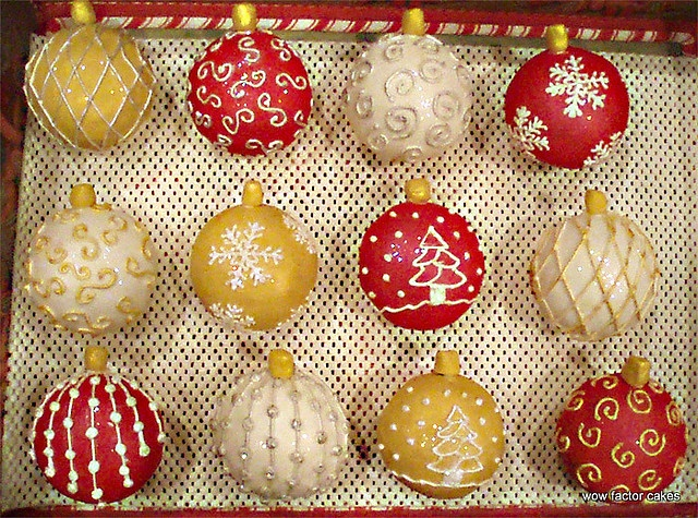 ornament ball cakes