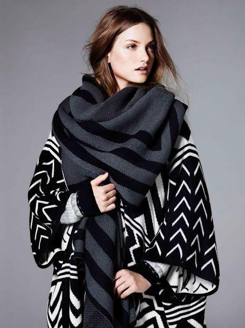 Idées mode femme et homme, comment nouer une grosse écharpe de grande taille de type pashmina autour du cou façon classe, bohème ou chic.
