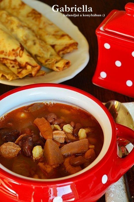 Gabriella kalandjai a konyhában :): Babgulyás - Anyukám receptje szerint