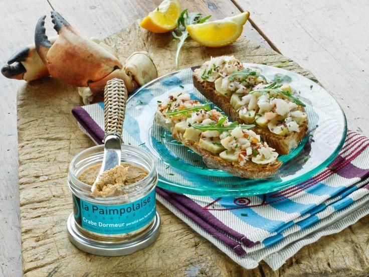 Recette de tartines au Crabe Dormeur, Artichauts et Herbes de Mer. #cuisine #crabe #recette