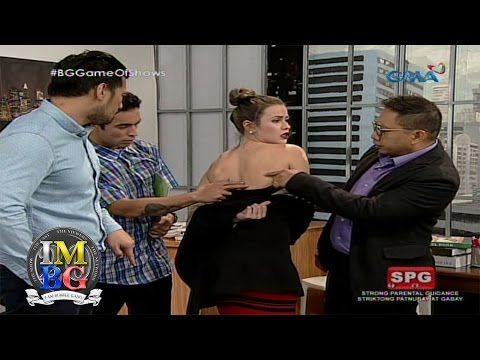 Bubble Gang: Taking advantage of the sexy-tary  Patingin nga ng allergy at malagyan din ng ointment! Aired: July 29, 2016 Watch 'Bubble Gang' every Fridays on GMA. Chewing it for more than 20 years, the Bubble Gang casts are still the leader in comedy with Michael V, Paolo Contis, Boy 2 Quizon,...