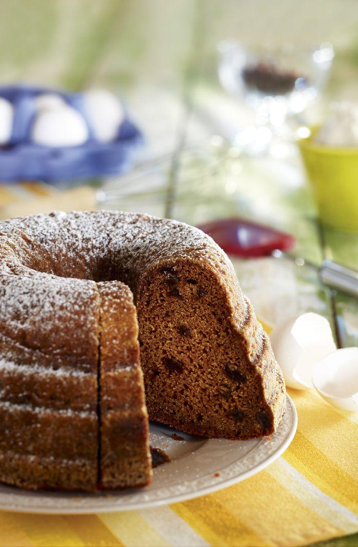 Perinteinen piimäkakku on helppo tehdä, koska ainekset vain sekoitetaan keskenään. Kakku mehevä ja pitkäänsäilyvä kuivakakku.