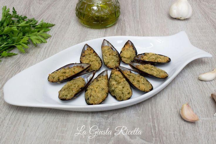 Cozze gratinate - La Giusta Ricetta - Ricette semplici di cucinaLa Giusta Ricetta – Ricette semplici di cucina