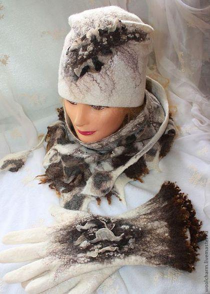 Купить или заказать Комплект(шапочка,перчатки, бактус) Леопардовая штучка' в интернет-магазине на Ярмарке Мастеров. И в холодные зимние денечки хочется не замерзнуть и оставаться яркой,красивой.Теплый,уютный,привлекающий внимание комплект свалян из шерсти мериноса.Для декорирования взят итальянский шелк с леопардовым принтом,волокна крапивы, бамбука, льна,нити банана,неппсы и флис английской овечки шетланд.