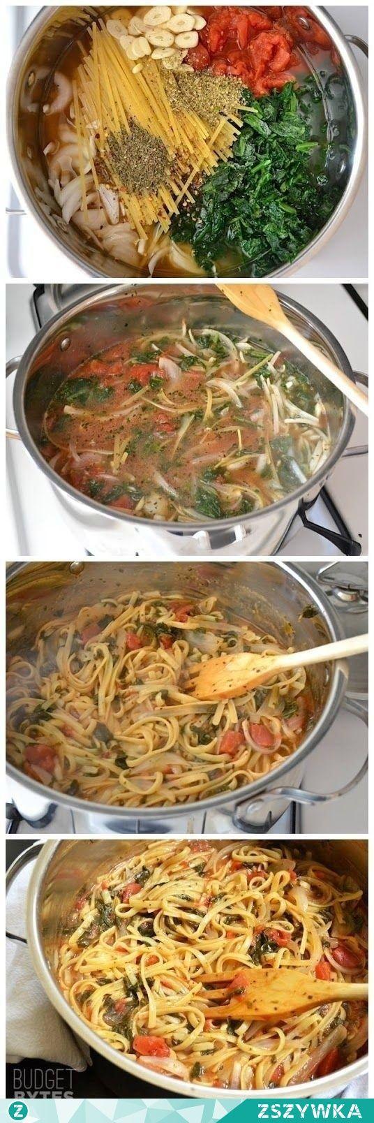 Zobacz zdjęcie Włoski kociołek błyskawiczny: 4 szklanki bulionu(250ml), 2łyżki oliwy, 35dag makaronu fettuccine (wstążki), 25dag mrożonego szpinaku, puszka pomidorów z puszki(bez skóry, krojonych), jedna średnia cebula, 4ząbki czosnku, pół łyżki suszonej bazylii, pół łyżki suszonego oregano, 1/4łyżki suszonej czerwonej papryki, świeżo zmielony pieprz, 10dag sera feta. w pełnej rozdzielczości
