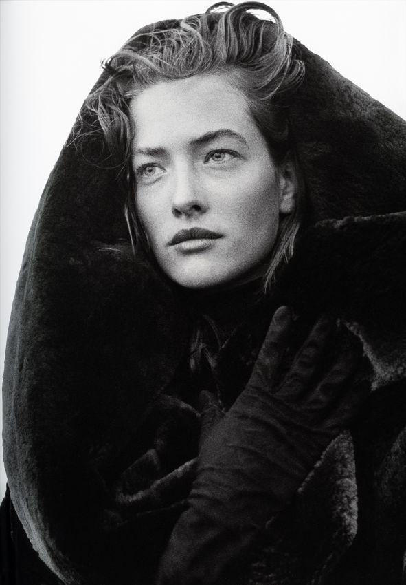 1986. Model Tatiana Patitz. Wearing Azzedine Alaia. Photo by Peter Lindbergh (B1944)