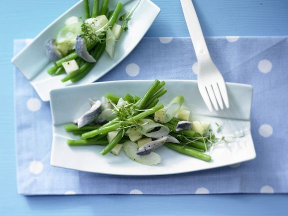 Herring-Green Bean Salad with Wasabi-Apple Sauce | Eat Smarter