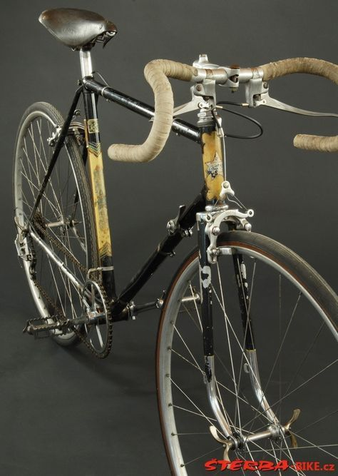 3622 best Vintage bicycle images on Pinterest Cycling tours - wandregale für küche