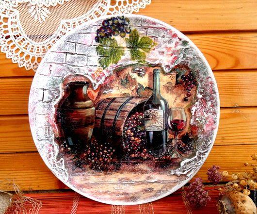 Натюрморт ручной работы. Ярмарка Мастеров - ручная работа. Купить Декоративная фактурная тарелка Погребок. Handmade. Бордовый, виноград