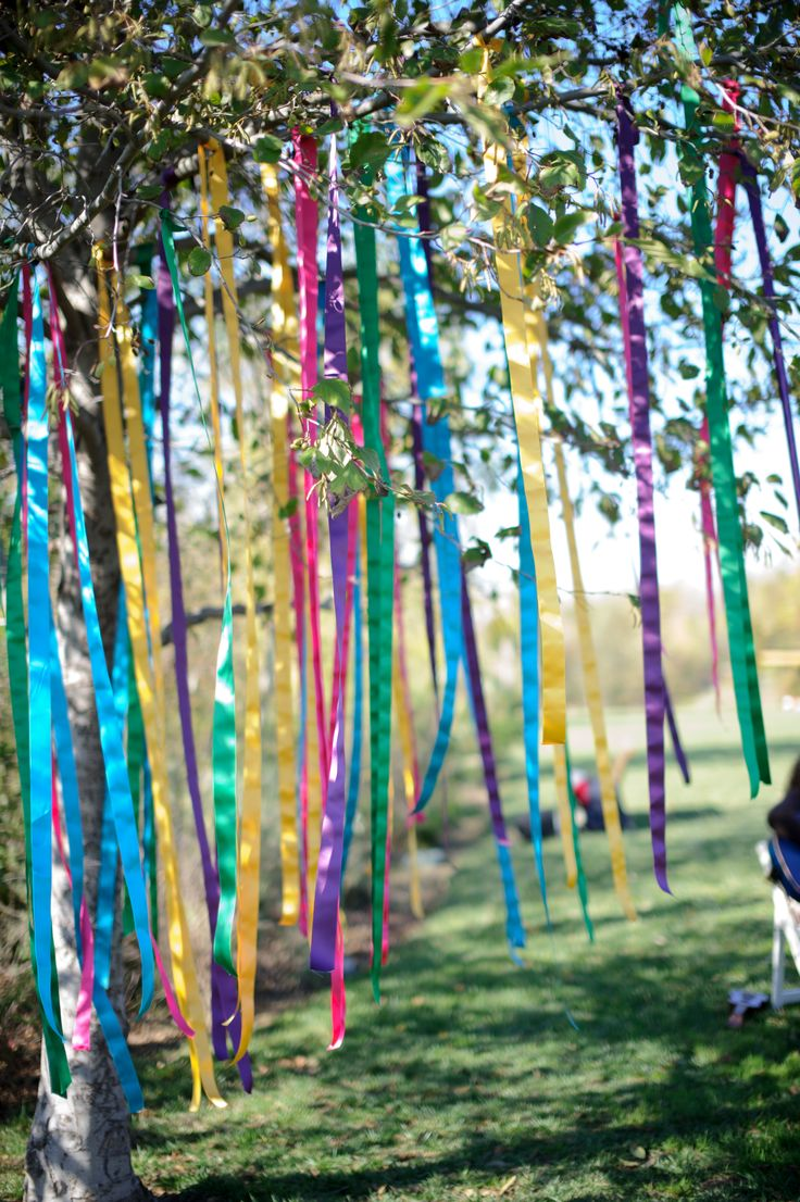 Ribbon Spell - Write your intentions on ribbons and tie them to a tree. Letting them be released by the wind to the universe. Blessed Be | www.ancient-wisdoms.com. Nx