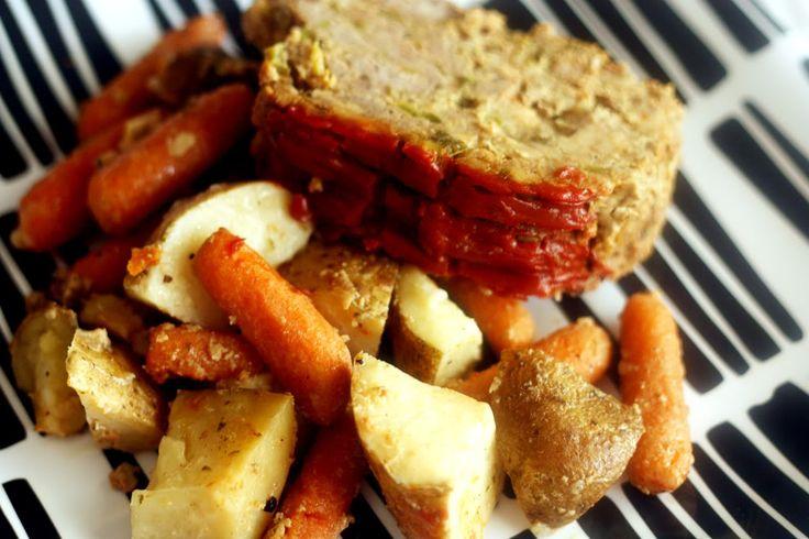 Crockpot Meatloaf: Crockpot Meals, Meatloaf Recipe, Slow Cooker Meatloaf, Crock Pots Meatloaf, Add Potatoes, Crockpot Meatloaf Mak, Recipe Crockpot, Pots Recipe, Crockpot Recipe