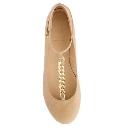 Classic taupe flat with chain