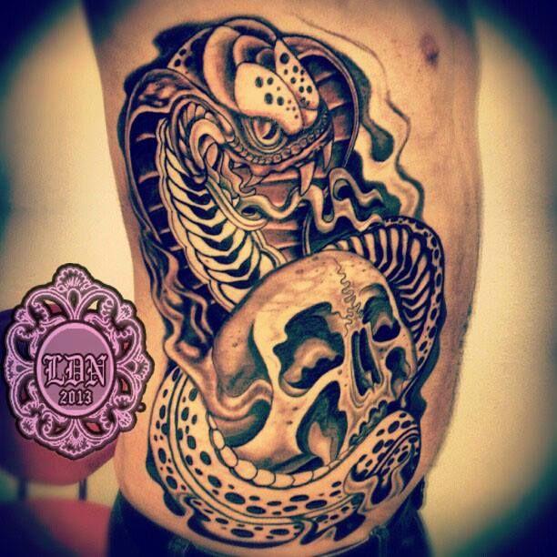 snkae skull by  Lyndall DN