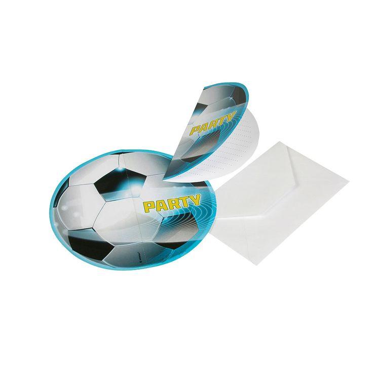 Nodig al je vriendjes uit voor jouw voetbalfeestje met deze 6 uitnodigingen. Inclusief enveloppen.Afmeting: 15 x 7,5 cm - Voetbal Uitnodigingen, 6st.
