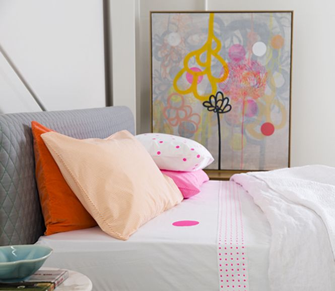 CASTLE beautiful bedlinen and embroidered artwork for colorful people