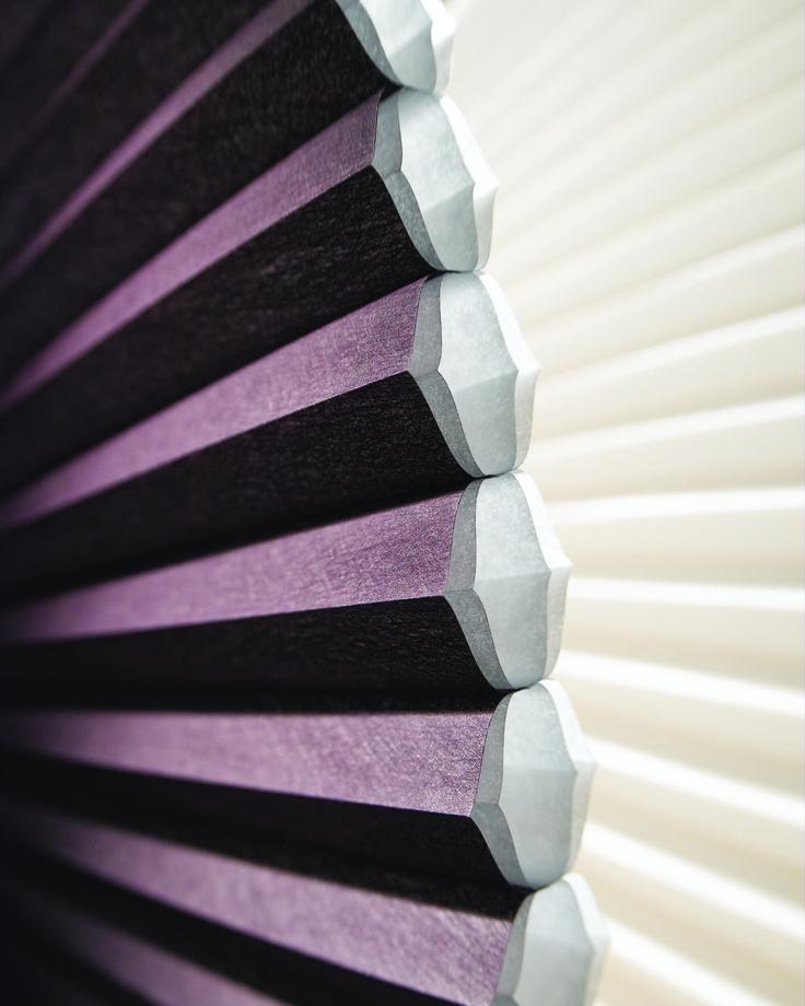 O verão promete ser intenso esse ano.   Uma dica para fugir das altas temperaturas é usar na decoração da janela a cortina Duette. Ela auxilia no conforto térmico de seu ambiente, deixando sua casa mais agradável!