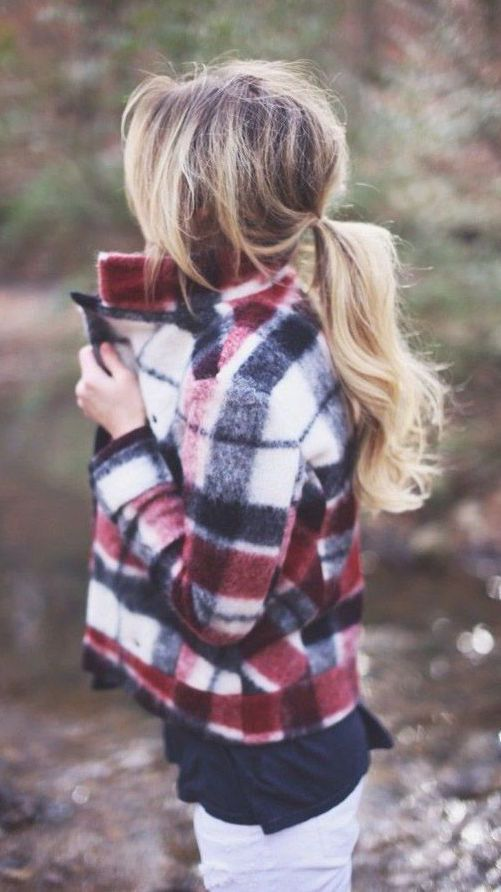 #street #style / tartan sweater http://www.slideshare.net/AmazingSharing/super-warm-and-comfy-best-winter-coats-for-women