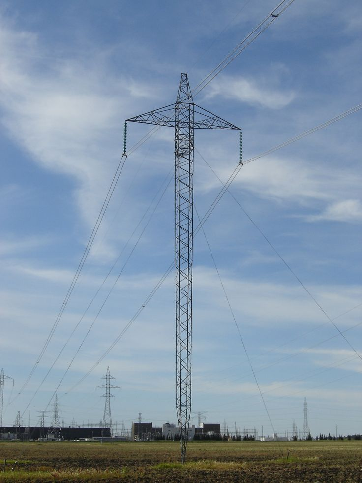 Transmission tower for 500kV HVDC line north of Dorsey Converter Station