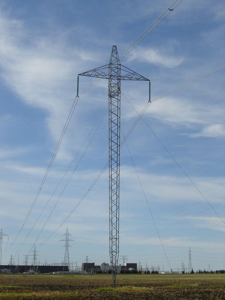 Transmission tower for 500kV HVDC line north of Dorsey Converter Station