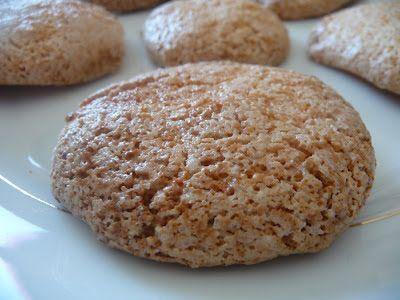 Fromage ou Dessert ? ... DESSERT !!!: Macarons aux blancs d'oeufs malheureux