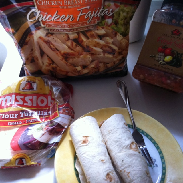Easy Low Cal Chicken Wrap All 3 Ingredients From Sams Club Mission Tortilla