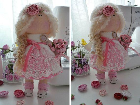 Interior la muñeca hecha a mano muñeca de amor muñeca Tilda arte muñeca morena colores rosa suave muñeca muñeca tela…
