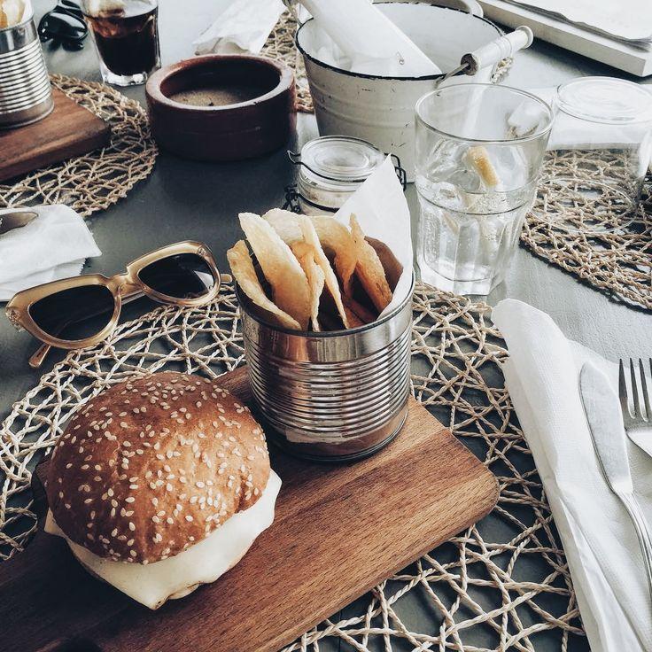 Lisbon Food Guide - 11 Places to eat in Lisbon: Pelicano & Kikiriki - teetharejade.com