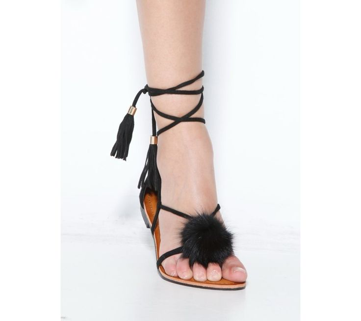 Žabky se šněrováním, střapci a bambulkou | modino.cz #ModinoCZ #modino_cz #modino_style #style #fashion #summer #sandals
