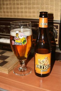 Score 6/10 Petrus Blond, from brewery Bavik. Blonde beer with a sour fruity aftertaste. For all my North American friends who where fascinated with Rodenbach this is an alternative you have to taste. Comes out of the same region in Belgium