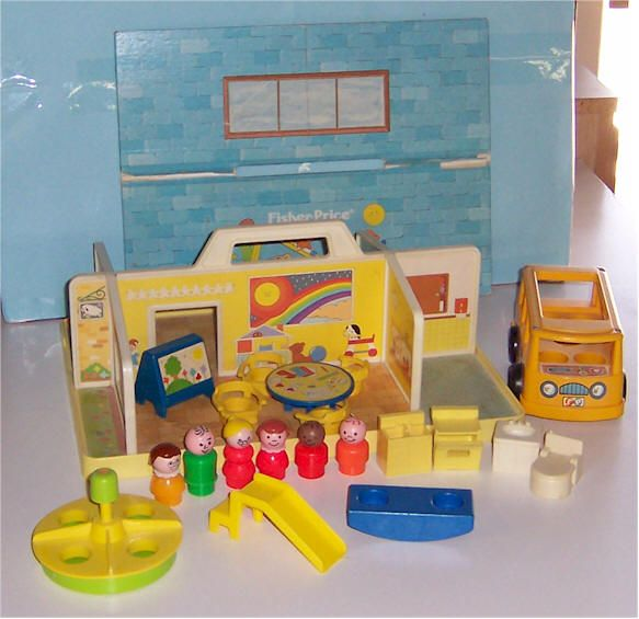 Fischer Price School My Poor Little People Kids Didn T Have A Roof Childhood Favoriteemories Pinterest Fisher Toys And