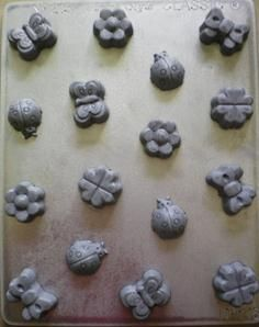 These small bite sized butterflies, ladybirds, bows or flowers on this Chocolate Mould can... Excite a little girl or a grandma. Perfect for baby showers, Decorate a cake, cupcakes.