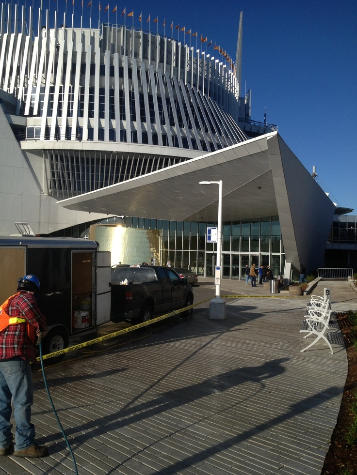 Protection murs et pavés Casino de Montréal avec le Faceal Oleo HD.