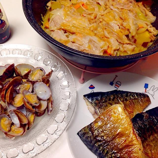 ちゃんちゃん焼きって鮭って感じやのに鮭がなくて豚バラで!(^^;) お味噌味大好きだー♡♡ - 107件のもぐもぐ - 焼きサバ、アサリの塩麹酒蒸し、タジン鍋でちゃんちゃん焼き。 by mari♡(もも୧⃛(๑⃙⃘◡̈๑⃙⃘)୨⃛)