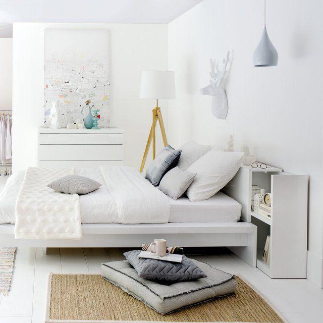Une tête de lit avec étagères coulissantes, Fly