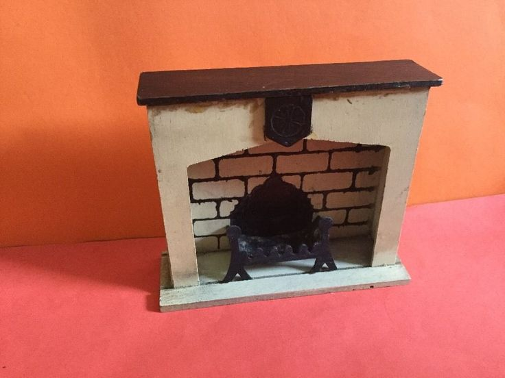 Vintage Dolls House Triang Period Furniture Jacobean Fireplace 1930s in Dolls…